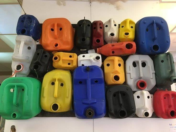 container faces