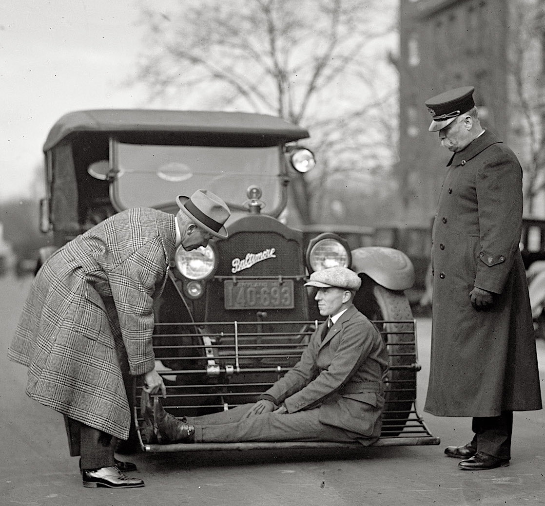 1924 Automobile safety device