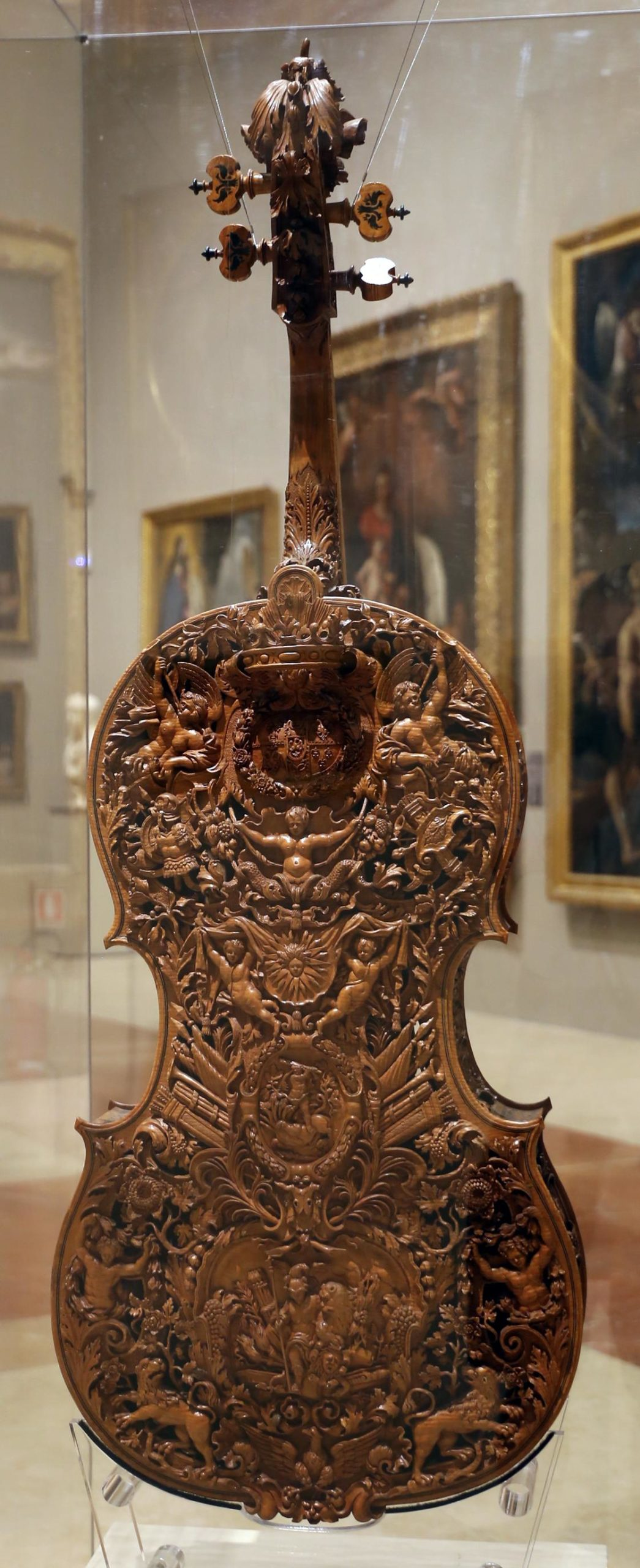 The intricately carved violin of Domenico Galli, made in 1687