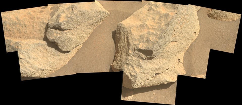 Sol 53: Tight view on rocks immediately in front of Perseverance